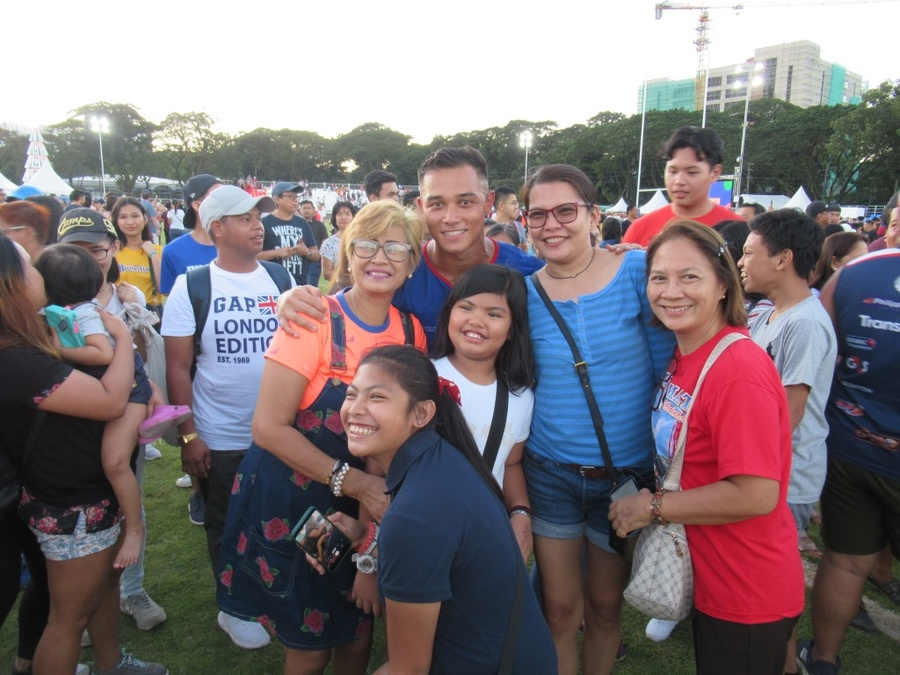 Philippines' rugby sevens victory sparks proud pitch invasion at SEA Games