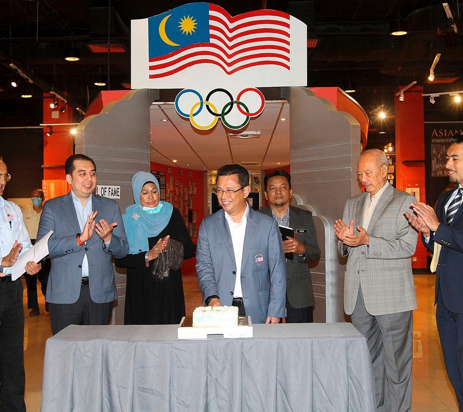 Malaysia NOC holds EB meeting, tours refurbished Olympic Hotel